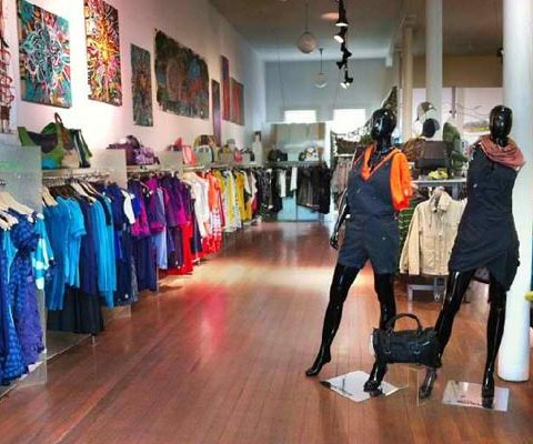 Como revender roupas importadas de marca